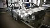 """""""Đột nhập"""" nhà máy Volkswagen đẳng cấp tại Nga"""