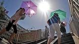 Thời tiết hôm nay: Miền Bắc, miền Trung  tiếp tục nắng nóng 37 độ