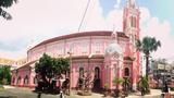 """""""Nhà thờ màu hồng"""", điểm check-in dễ thương cho giới trẻ Sài thành"""