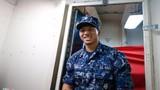 Thủy thủ gốc Việt và cuộc sống trên siêu tàu sân bay Mỹ