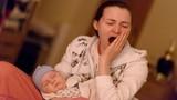 10 cách đối phó với những triệu chứng mệt mỏi, thiếu ngủ sau sinh