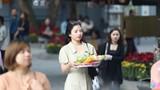 Lễ tình nhân: 'Đông nghẹt' gái ế nô nức tới chùa Hà cầu duyên