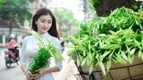 Tháng Tư về, thiếu nữ Hà thành đẹp tinh khôi bên hoa loa kèn