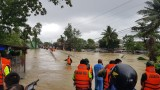 Đảo Phú Quốc vẫn mưa, người dân và lực lượng cứu hộ vật lộn trong đợt ngập lịch sử