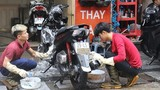 """Chiều cuối năm mất 50 - 60 nghìn rửa xe máy, nhiều khách vẫn đành """"tặc lưỡi"""""""