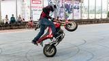Stunter hàng đầu thế giới đến Hà Nội dạy bốc đầu môtô