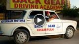 Kỳ lạ người đàn ông lái xe giật lùi suốt 11 năm