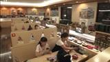 Xem cách vận hành một nhà hàng sushi băng chuyền ở Nhật