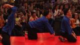 Lộ diện 3 người lạ khiến Trấn Thành phải quỳ lạy