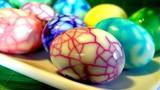 Mẹo luộc trứng đổi màu, trứng hóa thạch đẹp chưa từng thấy