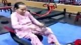 Hai cụ bà tập gym như thanh niên bất chấp tuổi tác