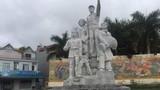 Đổ tượng đài ở Bắc Kạn, một bé trai bị thương