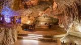 Độc dị khách sạn trong hang động đẹp nhất hành tinh