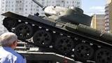 Video: Xe tăng Nga lật nhào trong lễ duyệt binh có ông Putin tham dự