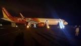 Hành khách sợ hãi kể lại sự cố máy bay Vietjet Air rơi lốp khi hạ cánh