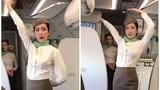 Tiếp viên Bamboo Airways nhảy múa trên chuyến bay đầu tiên