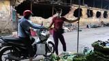 Nguy cơ nhiễm độc sau vụ cháy Rạng Đông: Người dân có quyền hoang mang