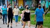 Đang trong thời gian cách ly, người dân Thủ đô vẫn nhao nhao đi tập thể dục