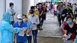 Tiêm vắc xin cho công nhân ở TP.HCM bằng xe lưu động