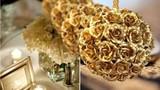Bóc mẽ hoa hồng dát vàng giá bèo ở Hà Nội