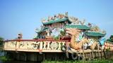 Ngôi miếu mọc lên giữa lòng sông độc nhất Việt Nam