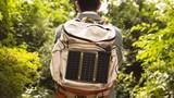 Cận cảnh bộ sạc pin năng lượng mặt trời mỏng như giấy