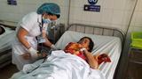 Đình chỉ 2 nữ hộ sinh truyền nhầm nhóm máu cho bệnh nhân