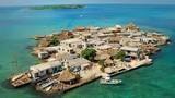"""Video: Hòn đảo """"đông dân nhất"""" thế giới"""