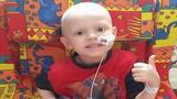 Em bé tàn tật vì bác sĩ nhầm ung thư là táo bón