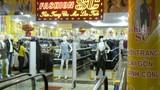 Dùng nam châm phá chíp ăn cắp sữa, rượu ngoại trong siêu thị