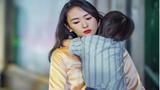 Bị lừa gạt, người phụ nữ trẻ trào nước mắt khi nhận cuộc gọi