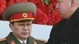 Vì sao Kim Jong-un chỉ đạo cách chức dượng?