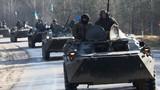 Xe tăng quân đội Ukraine ùn ùn đổ về thành phố Lugansk