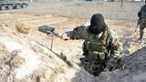 Binh sĩ Ukraine hối hả đào công sự gần Slavyansk