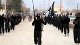 Bất chấp bị không kích, IS siết chặt vòng vây thị trấn Syria