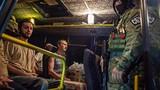 """Ukraine trao trả 16 tù binh Nga """"đi lạc"""" ở miền đông"""