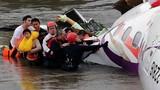 Thoát chết hi hữu trong vụ máy bay Đài Loan rơi