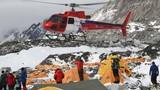 Chùm ảnh cứu hộ trên núi Everest sau động đất Nepal