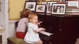 Ảnh thời thơ ấu của Hoàng tử Anh Harry