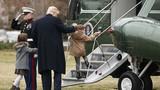 Tổng thống Donald Trump bên hai cháu ngoại đáng yêu ở Nhà Trắng