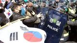 Ảnh: Biểu tình giữa tâm bão TT bị phế truất Park Geun-hye