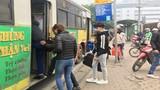 Dịch COVID-19: Xe buýt Hà Nội khách vắng teo, mỗi chuyến chưa đến chục người