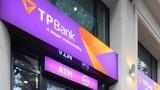 """Video: Ngân hàng Tiên Phong cẩu xe siết nợ như... """"xã hội đen""""?"""