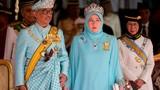 Vua mới của Malaysia thích polo, bóng đá
