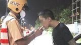 """Video: Thanh niên dương tính với ma túy """"né"""" chốt CSGT"""