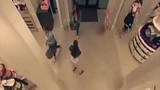 Video: Năm cô gái vác súng đi cướp nội y Victoria's Secret