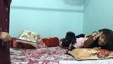 Video: Chú chó kiên quyết bảo vệ cô chủ trước roi vọt