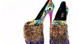 Sốc nặng với đôi giày làm từ... phân voi