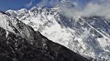 """Trung Quốc bị cáo buộc """"thay đổi"""" chiều cao đỉnh Everest"""