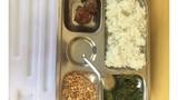 Thực hư bữa ăn trưa 15.000đ cho trẻ tiểu học chỉ có muối vừng và 2 viên chả?